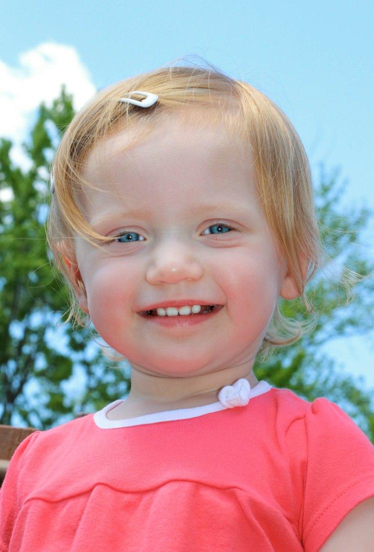 Hannah blue eyed girl3